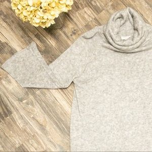 Gray funnel neck bell sleeve sweater - small